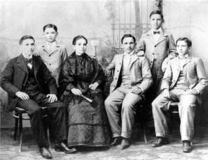 1902_d2008_FamiliaGarciaFlores-1